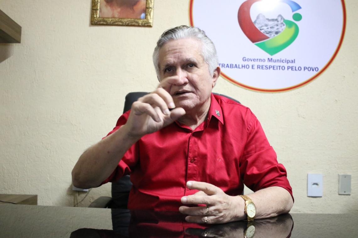 O médico José Hilson de Paiva foi afastado do cargo de prefeito de Uruburetama e está preso, suspeito de abusos sexual de pacientes