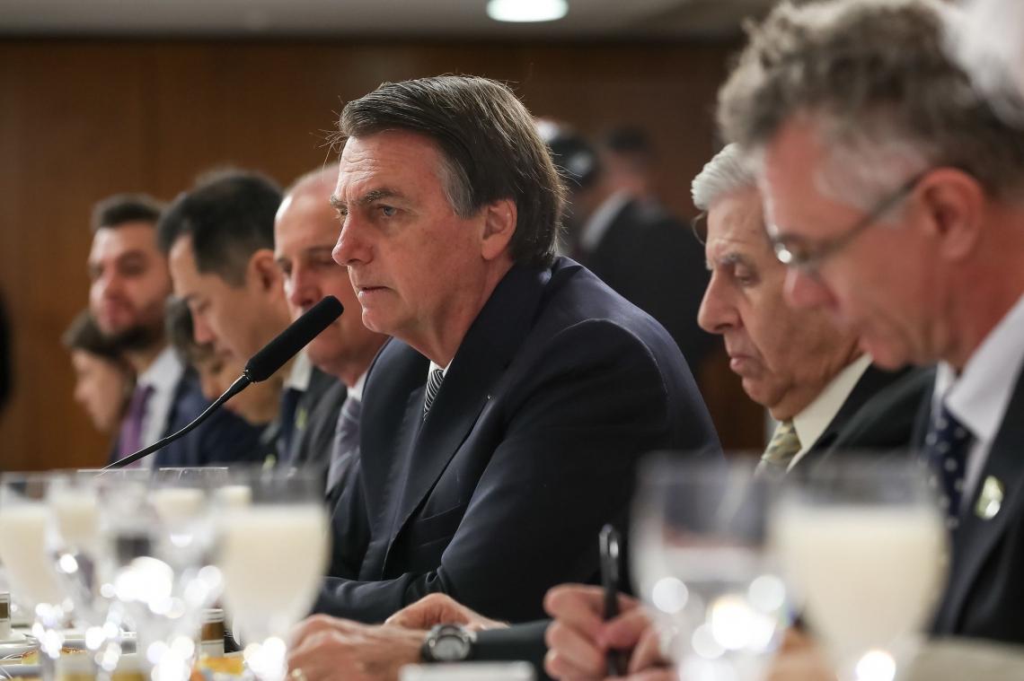 BOLSONARO participou de café da manhã ao lado de ministros e jornalistas correspondentes de veículos internacionais
