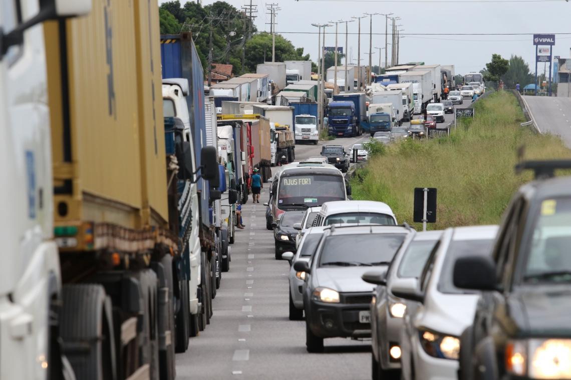 Em 2018, caminhoneiros pararam atividades por 11 dias (Foto: Fábio Lima)