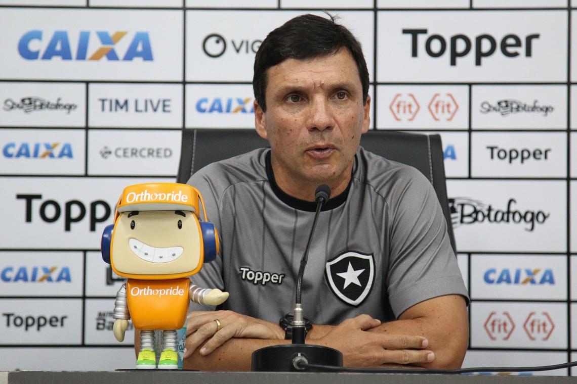 O último trabalho de Zé Ricardo foi no Botafogo, de onde foi demitido em abril