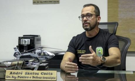 André Costa, secretário da Segurança,