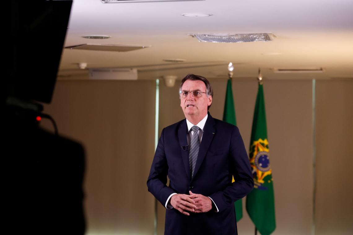 EM MEIO à crise, presidente da República fez pronunciamento no rádio e na TV em rede nacional