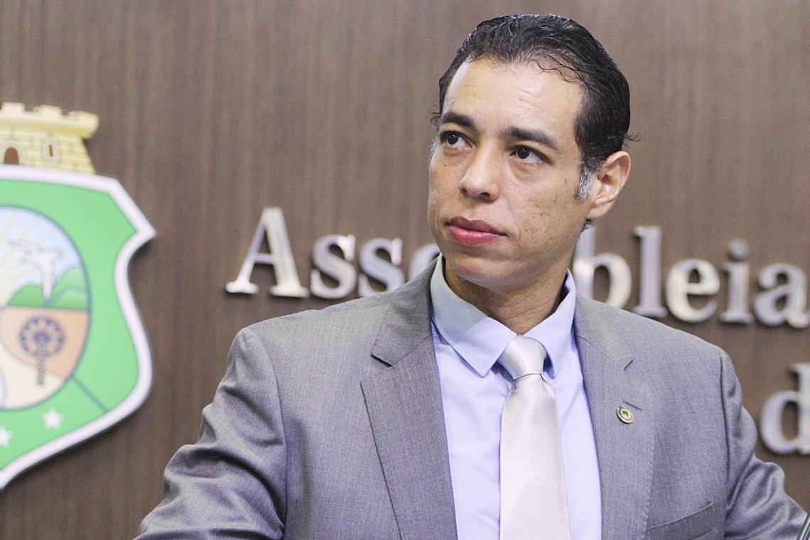 Deputado Leonardo Araújo. foto: Júnior Pio/ALCE
