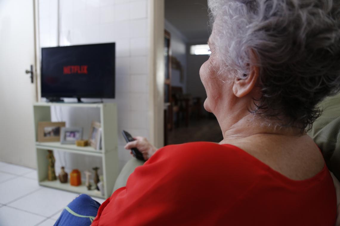Rosane Teofilo: TV para acesso ao Netflix