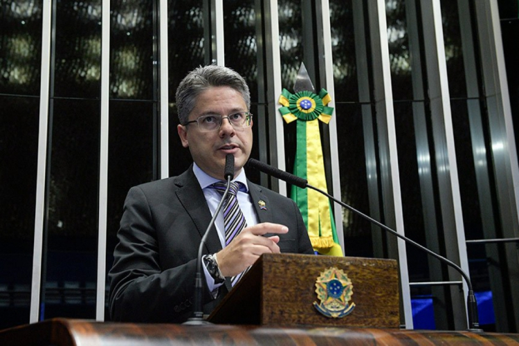 Senator Alessandro Vieira (Kidania / EC) is in favor of the proposal, following some changes proposed in the text.