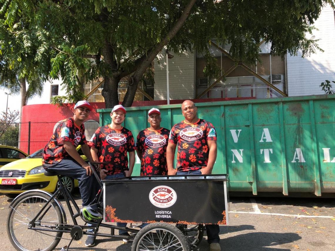 Cervejaria do Havaí se junta à startup Green Mining para fazer a coleta em bicicletas coletoras e ajudar no descarte correto de embalagens de vidro  (Foto: DIVULGAÇÃO)