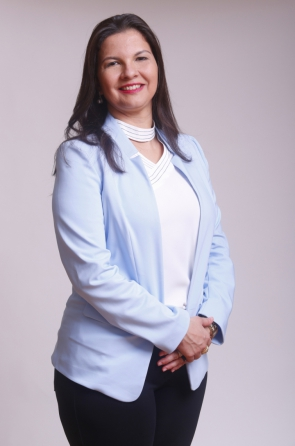 Elizabeth Chagas é formada em direito no Centro Universitário de João Pessoa e pós-graduada em Direito de Família.