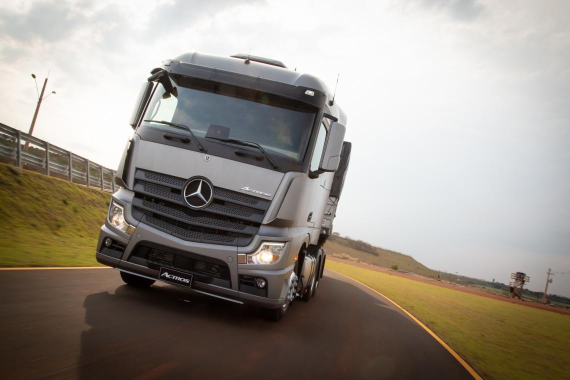Caminhão Mercedes Actros, com motor OM460: alemã tem a liderança nas vendas de caminhões com 36,7%, do mercado e 2.527 unidades emplacadas