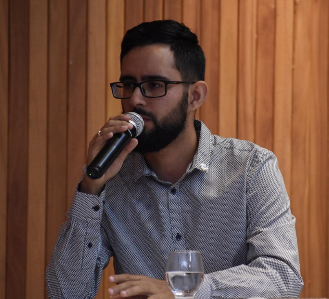Enio de Alencar Bezerra Antão é administrador, delegado do CRA-CE, gerente de RH do Laboratório Vicente Lemos, professor e membro da ABRH-CE