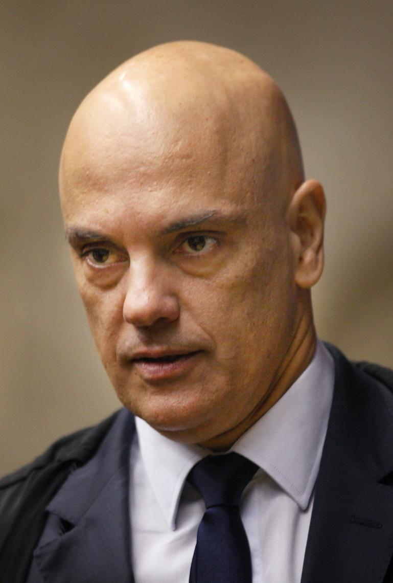 MORAES quintuplicou valou da multa contra Facebook e Twitter, que prometem recorrer ao plenário do STF
