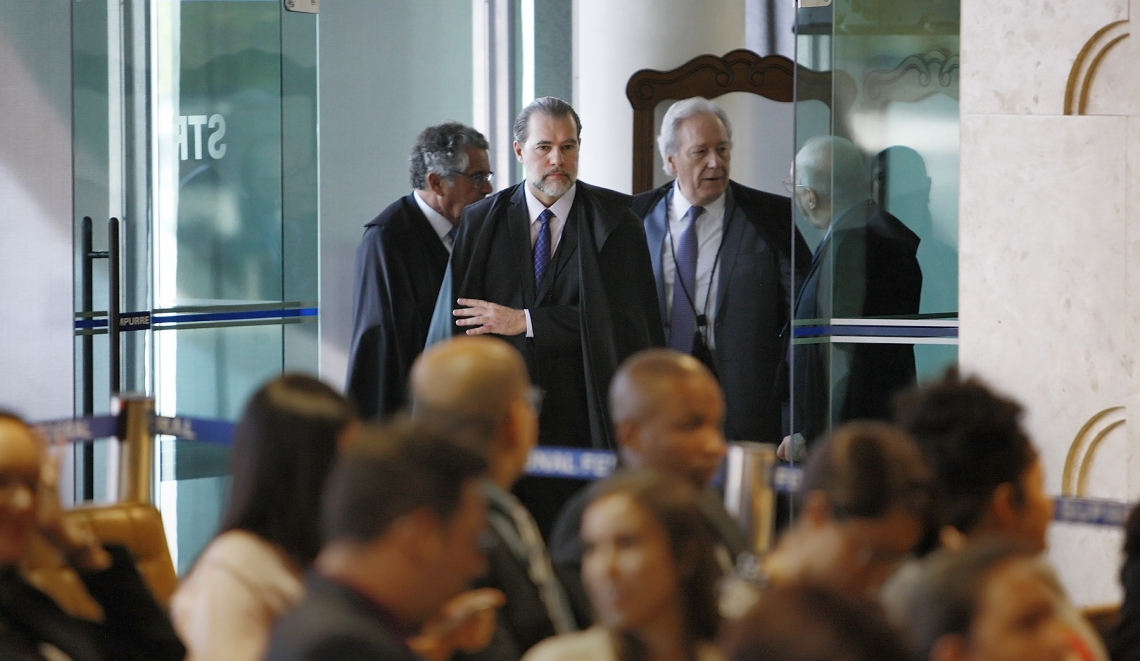 MINISTROS Marco Aurélio, Dias Toffoli, Lewandowski e Celso de Mello foram favoráveis à tese do trânsito em julgado para prisão após condenação em  2ª instância