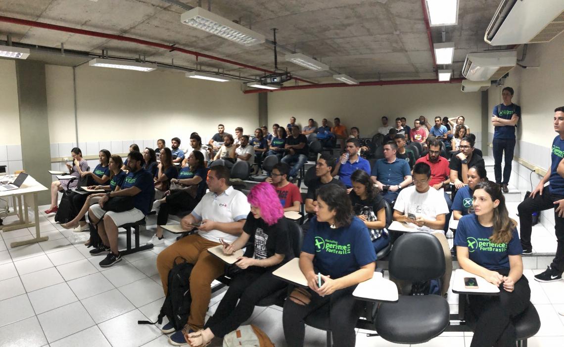 O evento reúne 56 participantes, entre estudantes de graduação e pós graduação e colabores da fintech FortBrasil