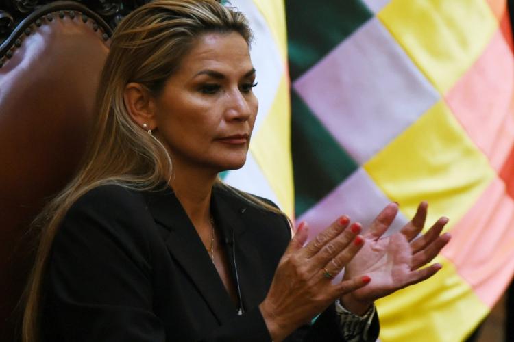 A DIREITISTA Jeanine Anez assumiu interinamente uma Bolívia em convulsão política e social (Foto: AIZAR RALDES / AFP)