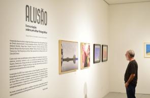 A exposição Alusão: livre criação sobre um olhar fotográfico reúne 25 peças de 13 artistas