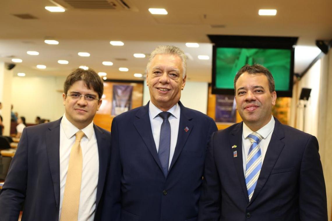 Rui Farias e Miguel Hissa com sócio da Nusa, Hênio Godinho