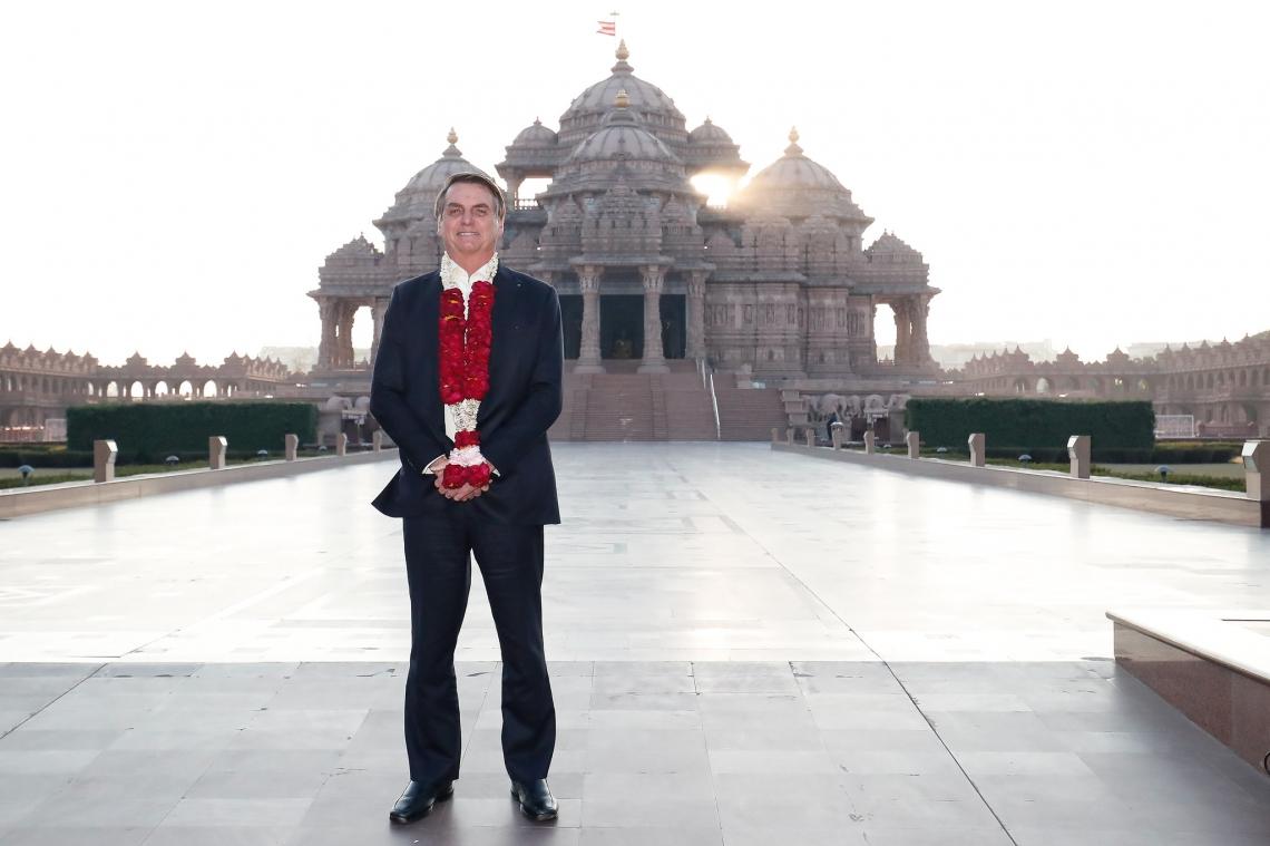 Presidente Jair Bolsonaro em visita oficial à Índia, onde visitou ontem o templo de Akshardham em janeiro de 2020