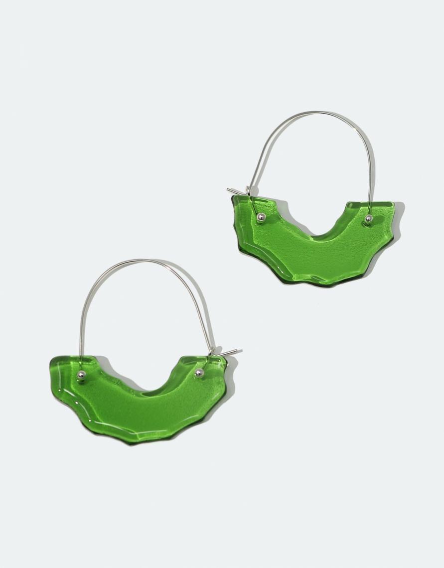Garrafas de vidro descartáveis se transformam em joias na @cled: uma proposta sustentável