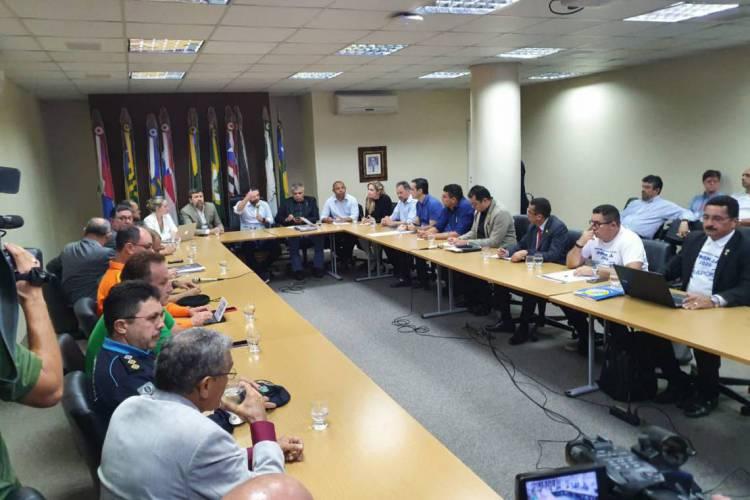 Primeira reunião entre representantes da categoria, Governo do Ceará e deputados termina sem acordo.