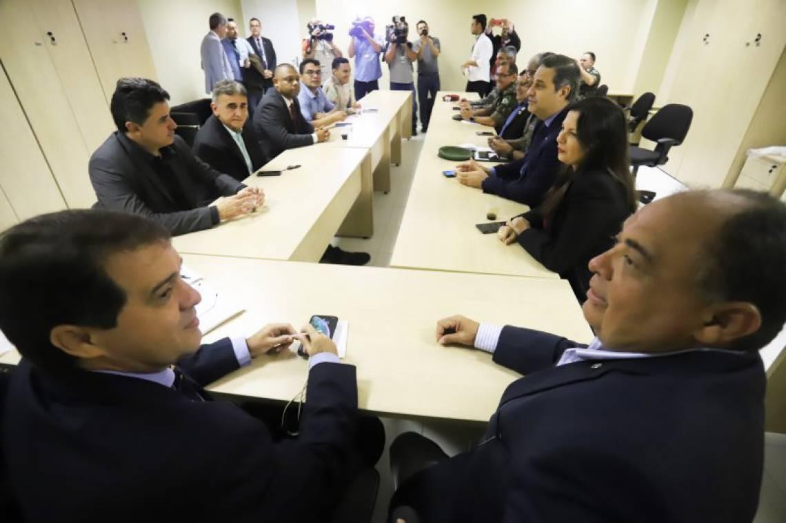 Comissão se reuniu no anexo da Assembleia Legislativa do Ceará (ALCE)