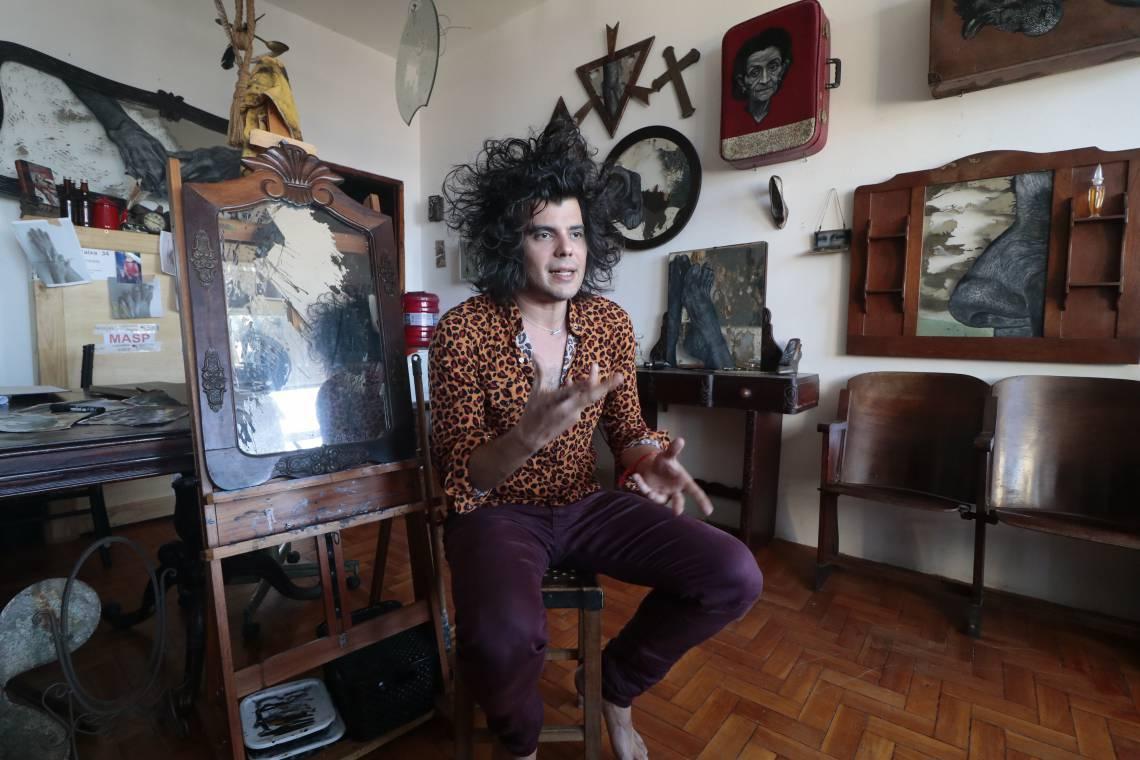 FORTALEZA-CE, BRASIL, 21-11-2019: Sérgio Gurgel, artista plástico. Entrevista para p projeto Atelier. (Foto: Júlio Caesar / O Povo)
