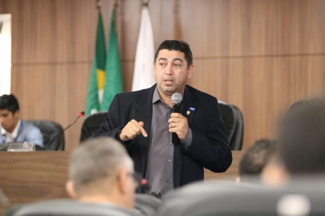 Almeida Filho é analista de desempenho de campo da CBF