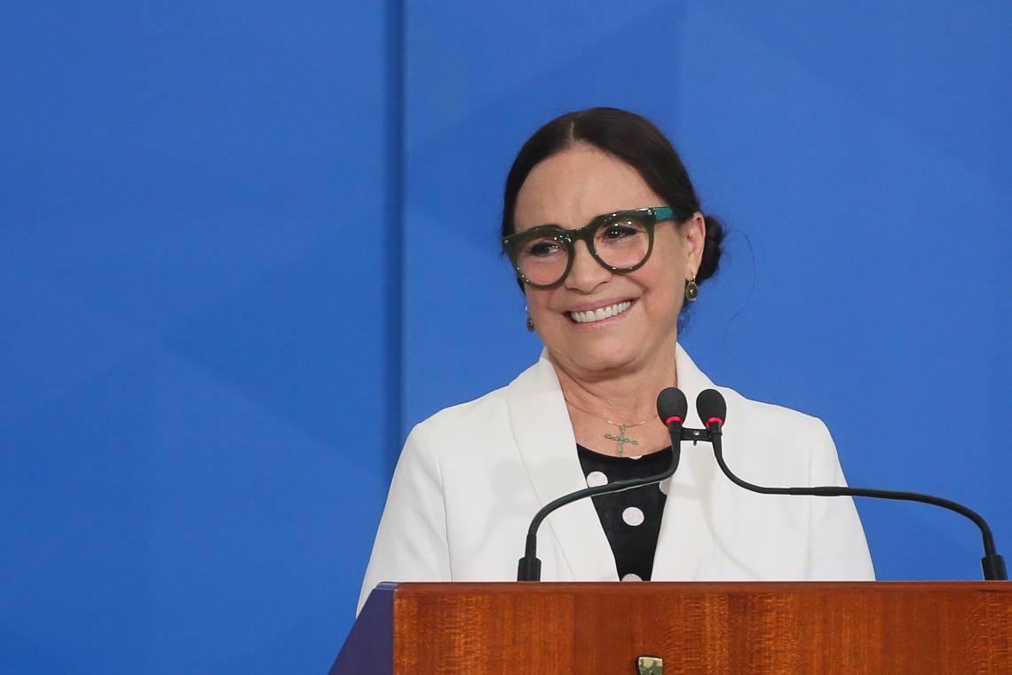A cerimônia de posse da ex-secretária Especial da Cultura do Ministério do Turismo, Regina Duarte, ocorreu há menos de três meses (Foto: Antonio Cruz/ Agência Brasil)
