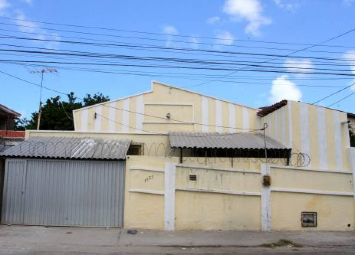 A casa onde Renato foi morar com Marta, a primeira mulher, ficava ao lado da casa dos pais, na antiga Quintino Bocaiúva