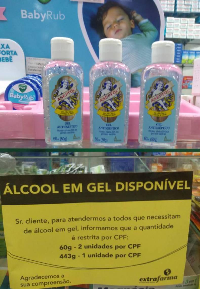 Sincofarma-CE diz que a medida das farmácias para controlar a venda de álcool em gel visa proteger o maior número possível de pessoas do coronavírus