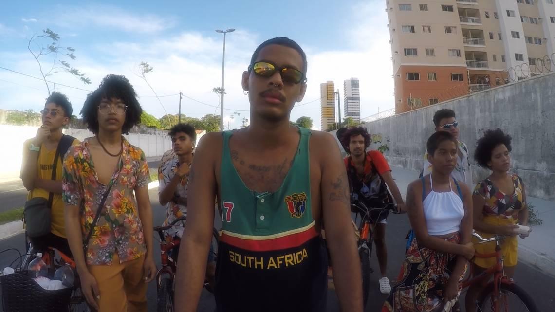Clipe de Legal Legal, de Mateus Fazeno Rock (@mateusfazenorock), foi dirigido por Jauh Ferreira