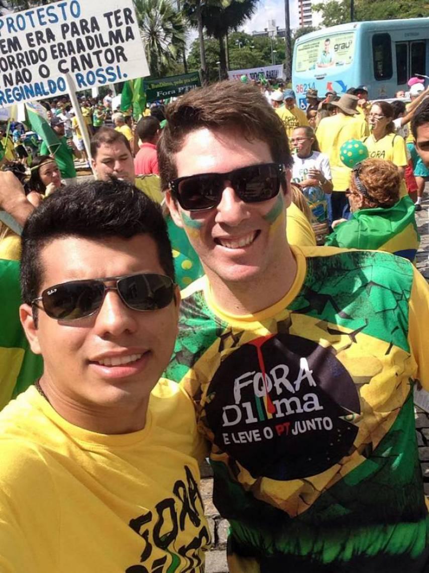 Pedro Hitalo (camisa amarela) é bolsonarista e Fredy Menezes, moristas, antes aliados, agora em oposição