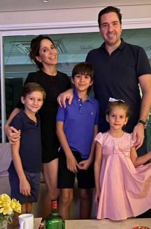 Nádia e Eduardo Bismarck com os filhos