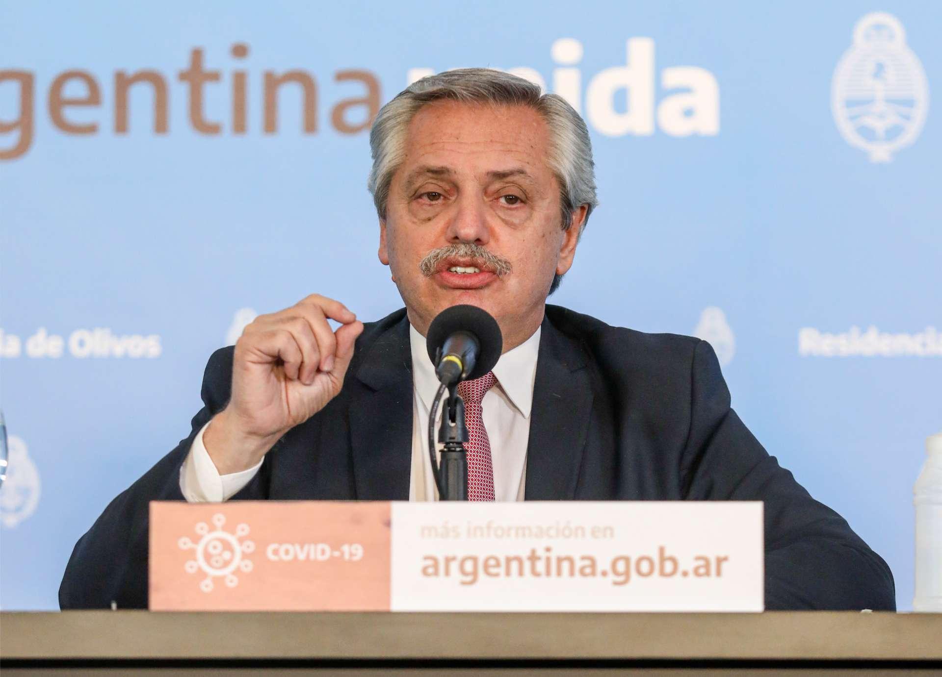 PRESIDIDA por Alberto Fernández, a Argentina registrou até o momento 735 mortes por Covid-19 (Foto: Esteban Collazo / PRESIDENCIA ARGENTINA)