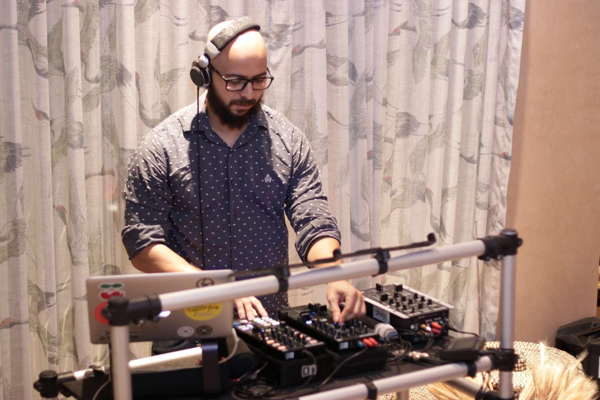 DJ Saulo Torres aposta que, mesmo com a reabertura de bares e restaurantes, as lives ainda podem ser uma saída para os estabelecimentos contarem com atrações
