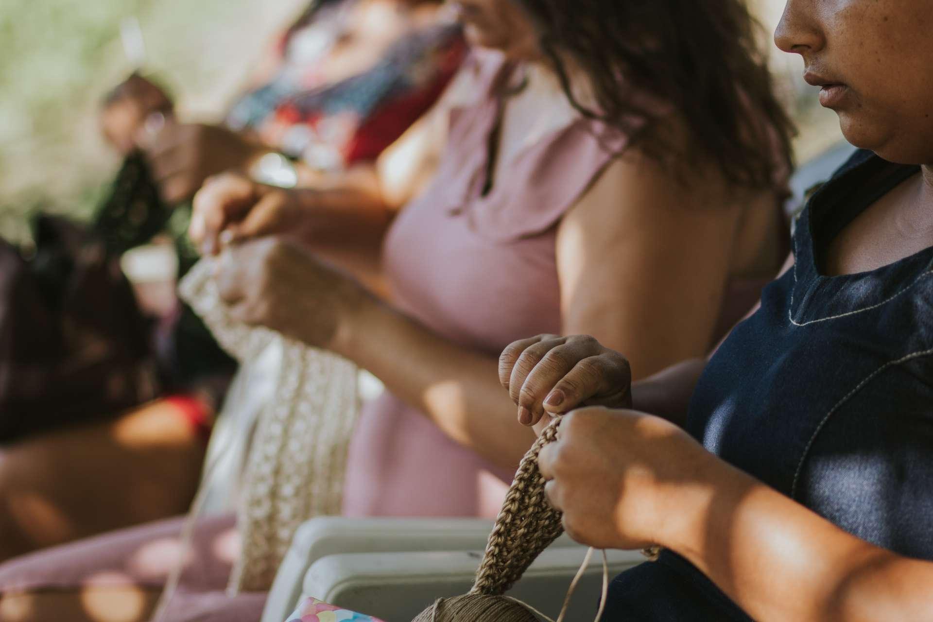 Marca cearense apoia e gera renda a comunidade artesã