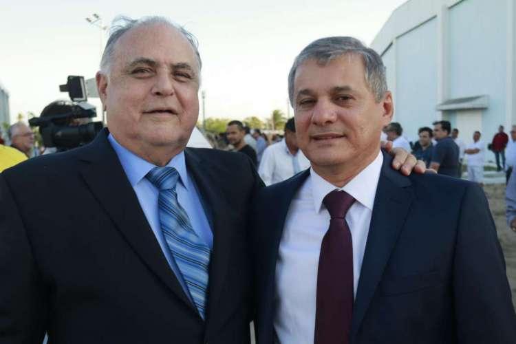 Roberto Pessoa foi prefeito de Maracanaú por oito anos e agora tenta voltar no lugar do aliado Firmo Camurça, que ficou o mesmo período no cargo