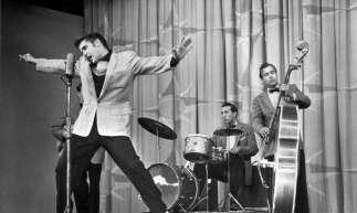 Elvis Presley em sua fase selvagem, que gerou críticas e admiradores