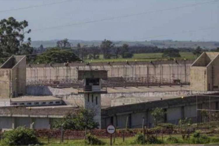 Muralha da Penitenciária 2 em Presidente Venceslau (SP)(Foto: REPRODUÇÃO)