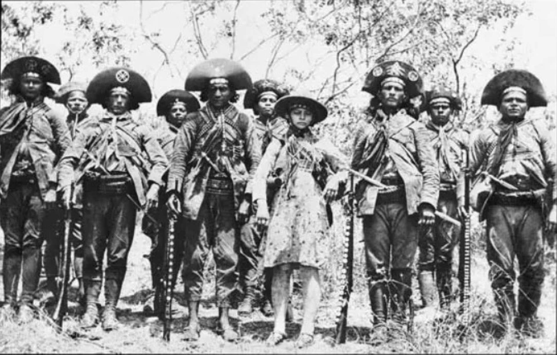 Lampião, Maria Bonita e o bando, fotografados em 1936
