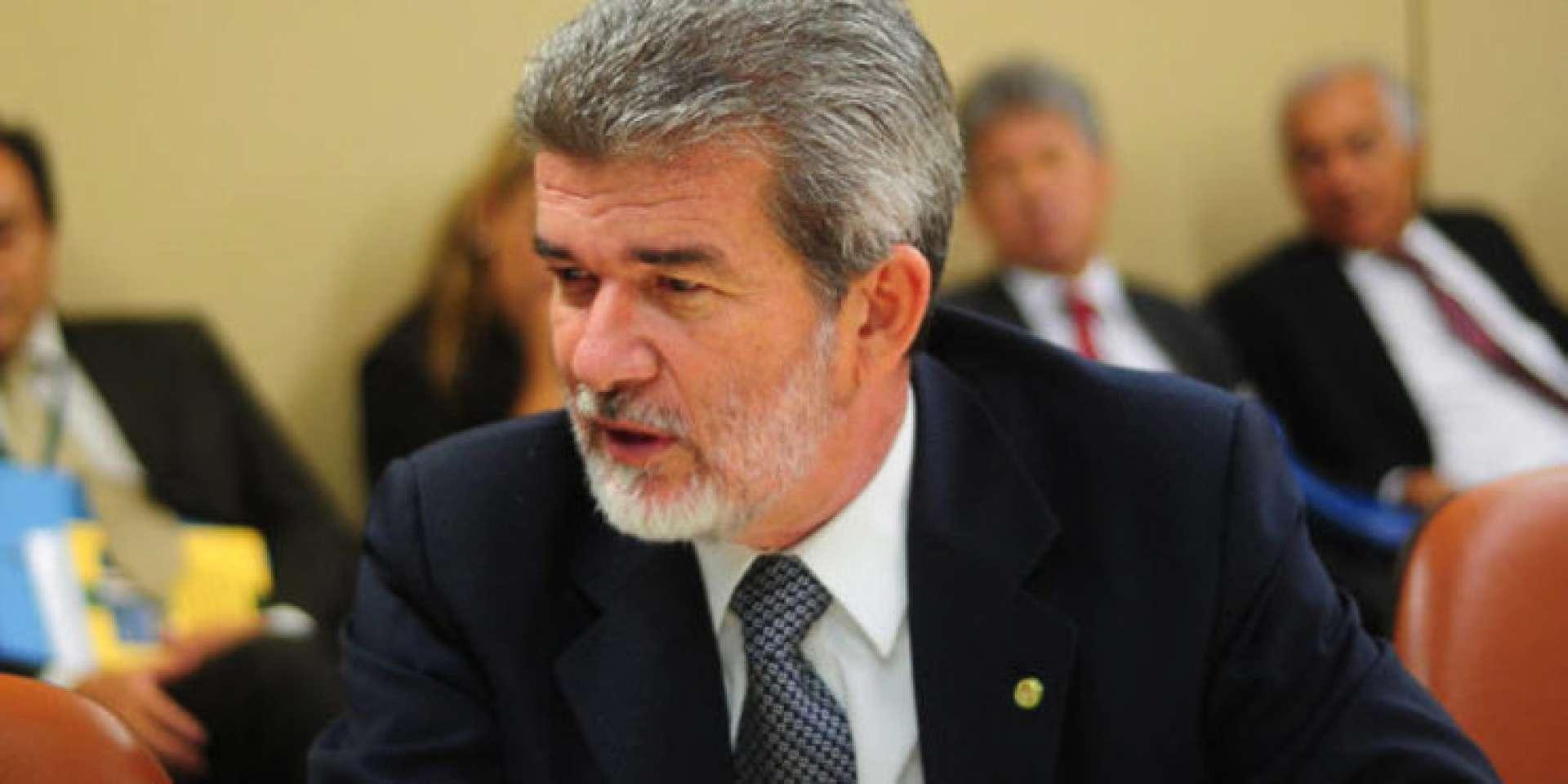 Arnon Bezerra tentará uma inédita reeleição em Juazeiro do Norte