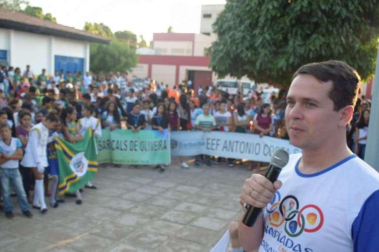 Argemiro Sampaio tentará reeleição enfrentando grupo liderado pelo governador Camilo Santana