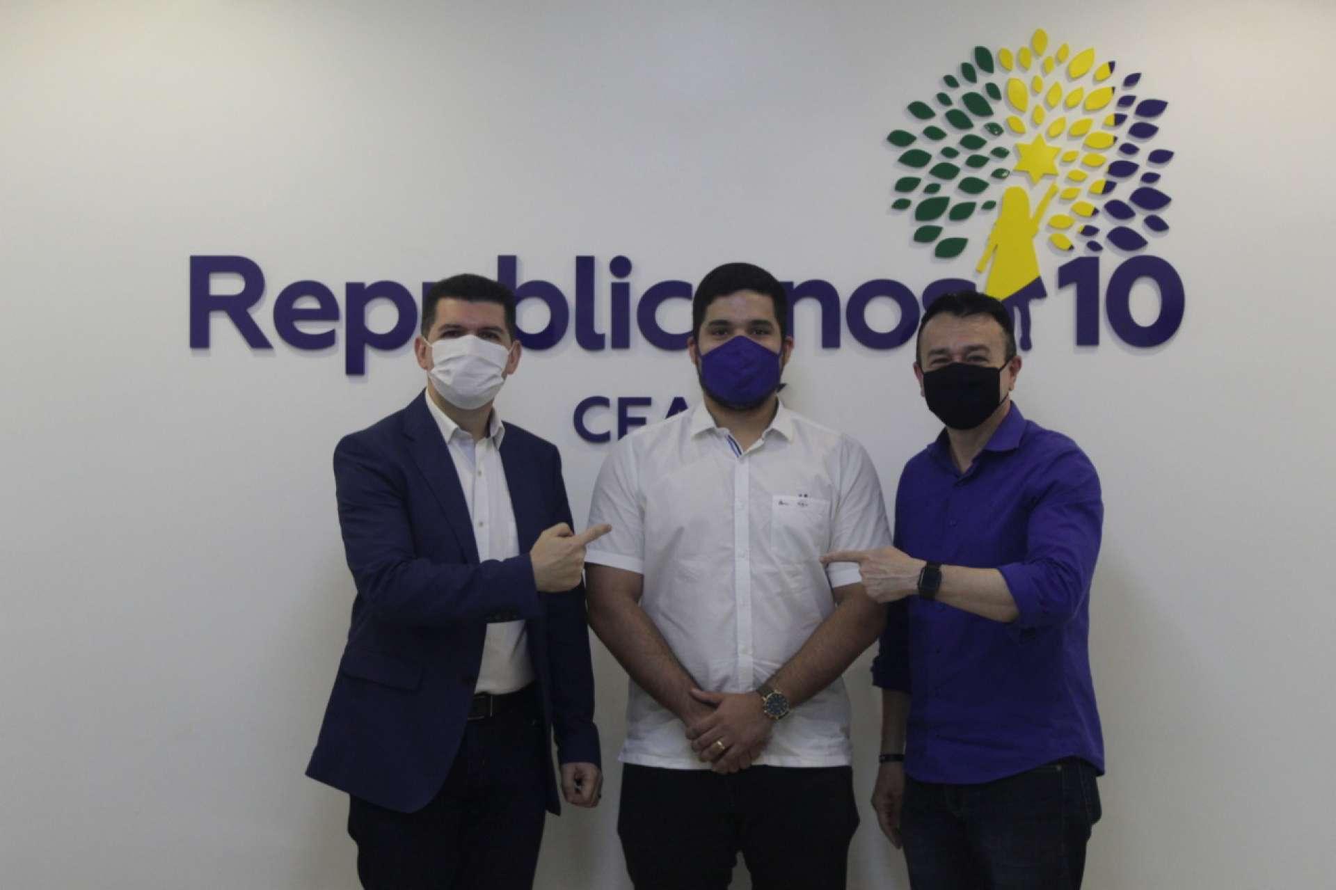 Deputado André Fernandes se filia ao Republicanos