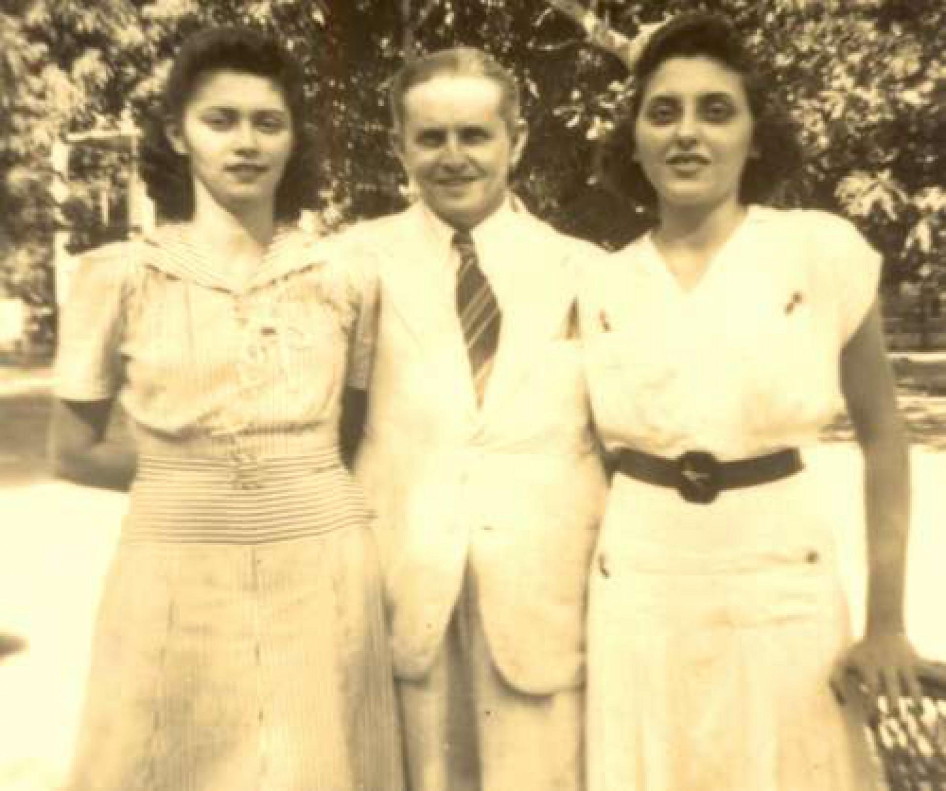 Demócrito Rocha e as filhas Albanisa e Lúcia Rocha