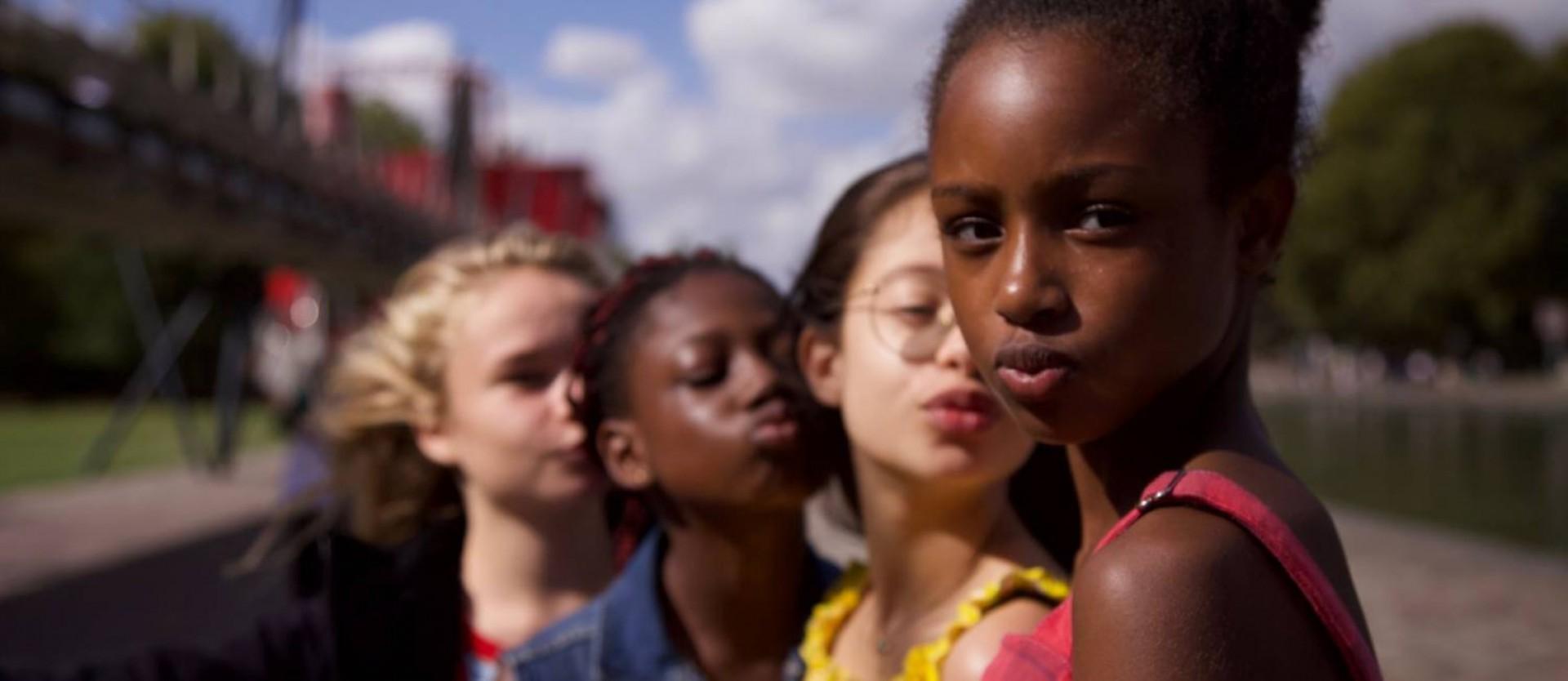 Filme Cuties vem gerando polêmica, acusado de sexualizar crianças