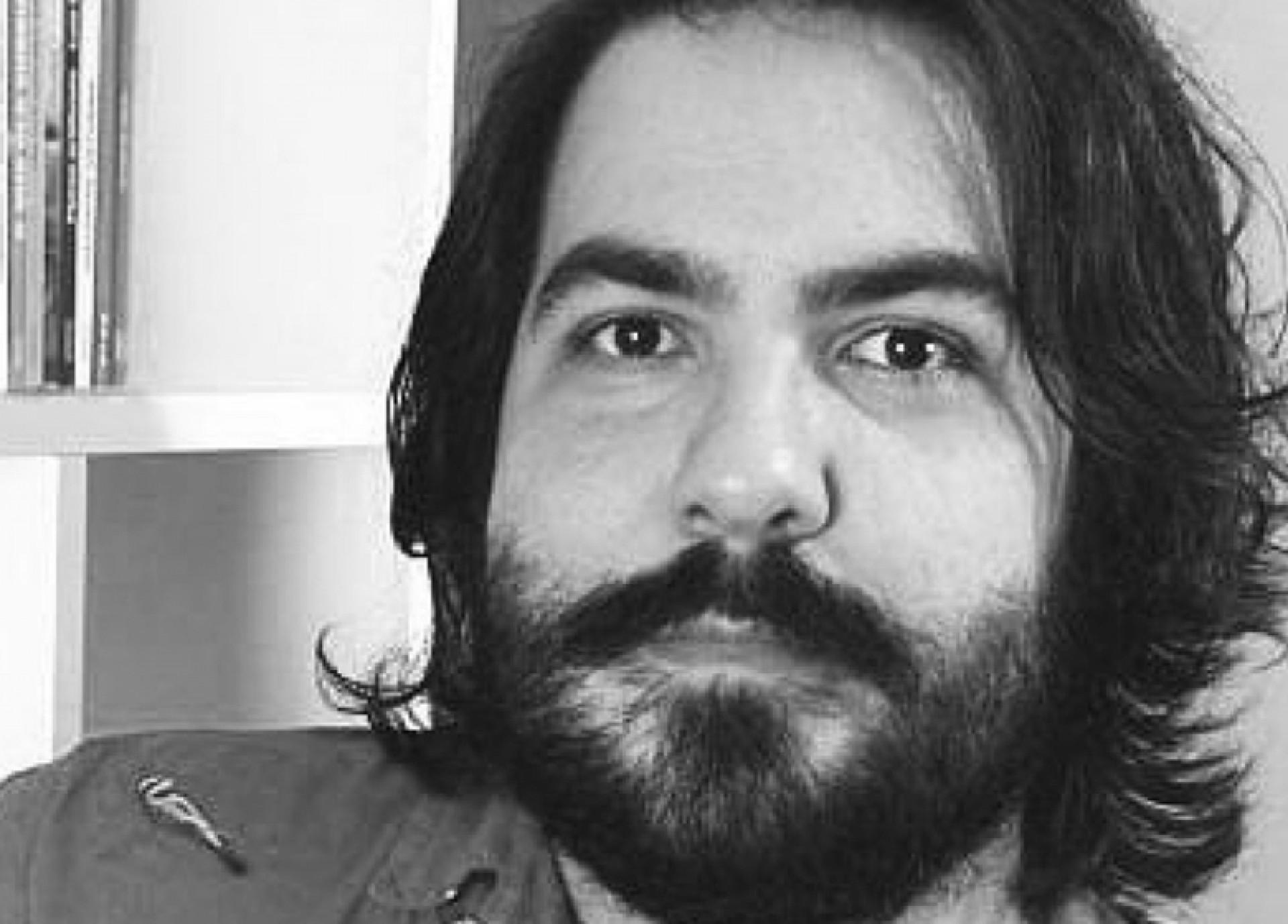 Sávio Alencar é Mestre em Letras pela Universidade Federal do Ceará e editor.