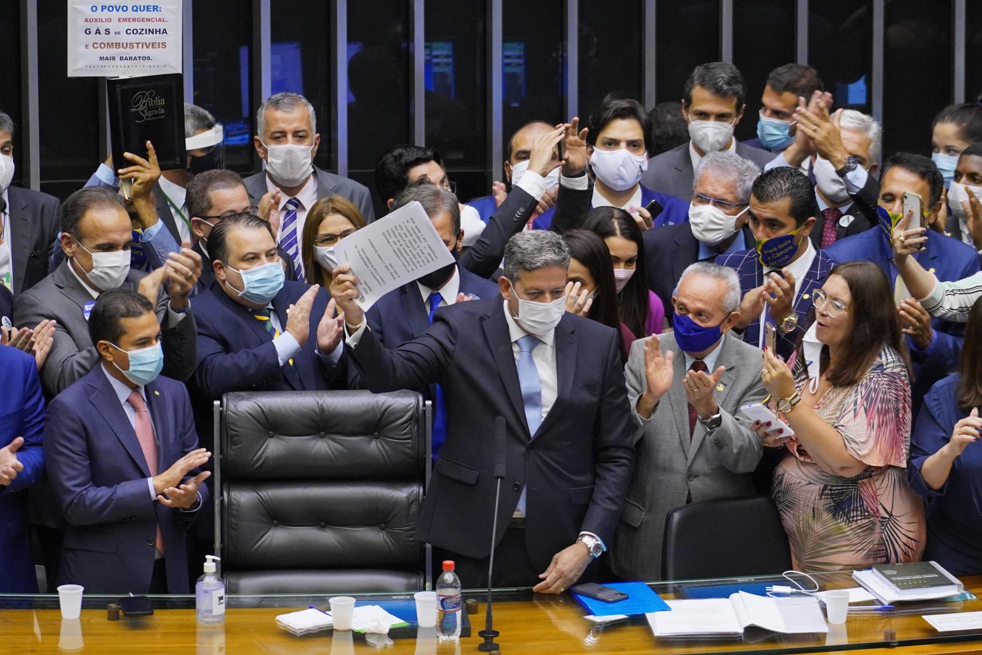 CANDIDATO apoiado pelo Planlto, Lira foi eleitos com mais que o dobro de votos de Rossi (Foto: pablo valadares/Agência câmara)