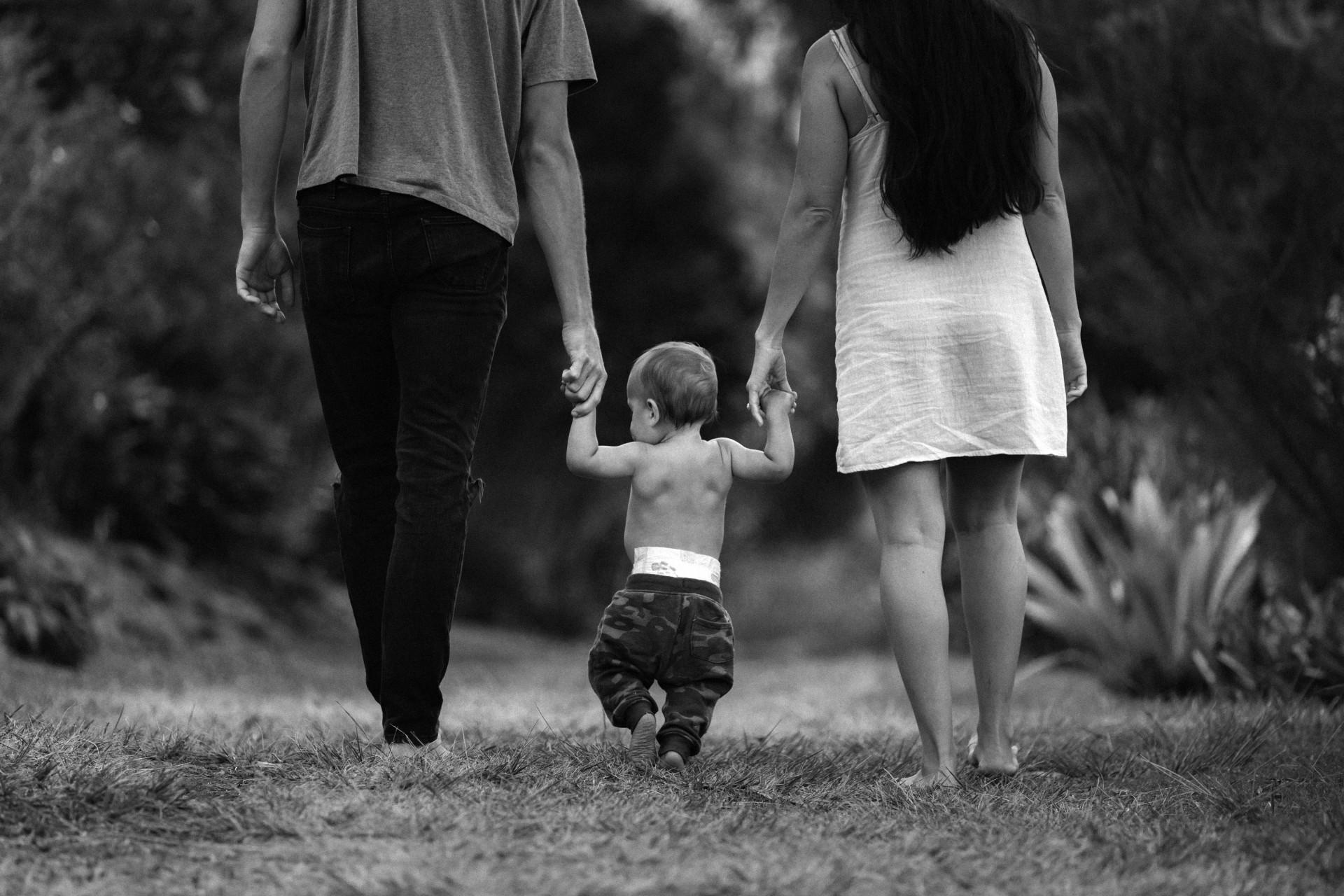 Na infância, a criança imagina que os pais devem sentir orgulha dela para merecer ser amada