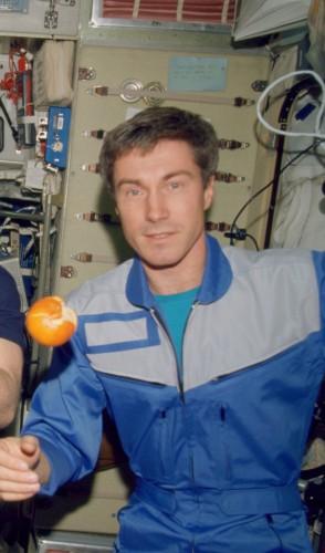 Krikalev ainda voltaria ao espaço várias vezes. Por ter ido pela URSS e voltado como russo, ficou conhecido como