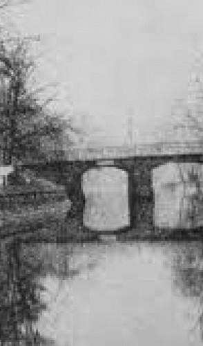 Em 1919, Rosa Luxemburgo foi sequestrada, morta e seu corpo jogado no canal Landwehrkanal por um grupo paramilitar alemão.