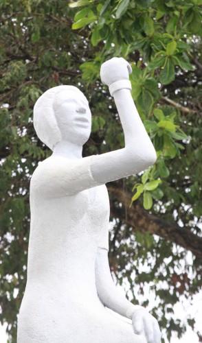A cearense Bárbara de Alencar foi a primeira presa política do Brasil. A estátua homenageia sua coragem.