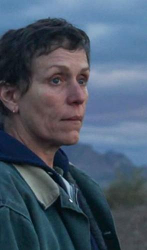 Nomadland: indicado a 6 categorias. Dirigido por Chloé Zhao e protagonizado por Frances McDormand.